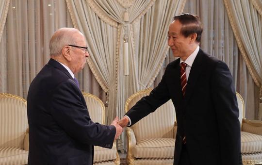 رئيس الجمهورية الباجي قايد السبسي مع وانغ جياروي