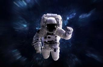 رحلة الى الفضاء
